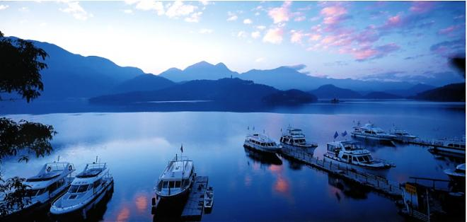Sun Moon Lake, Alishan, Hot spring one-day tour [Start from Alishan]